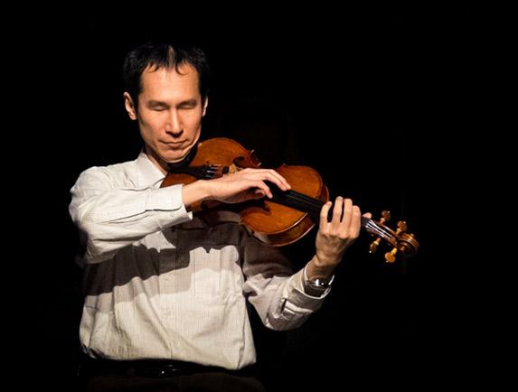 Takashi Kakuchi plays viola